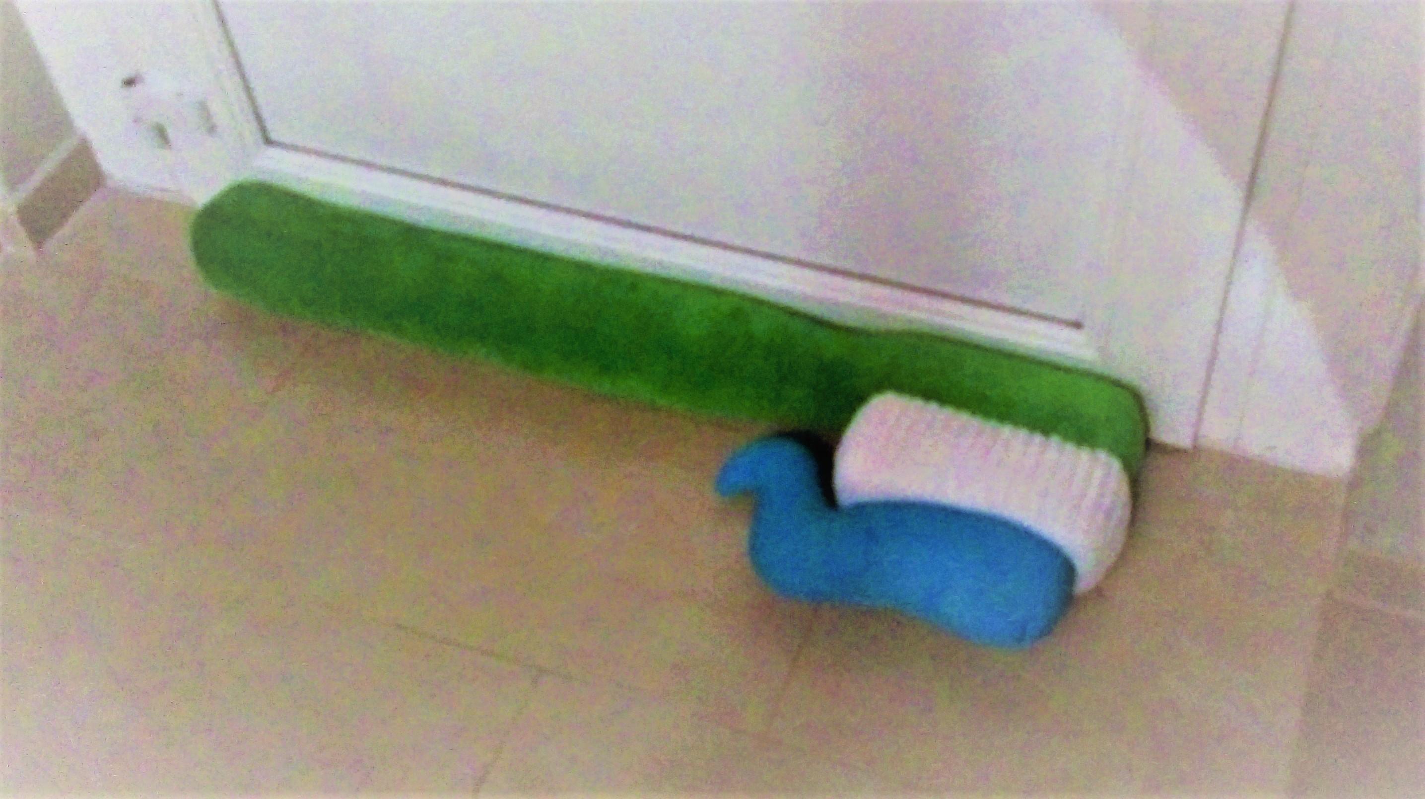 ikea tandenborstel blauw groen tandpasta interieur
