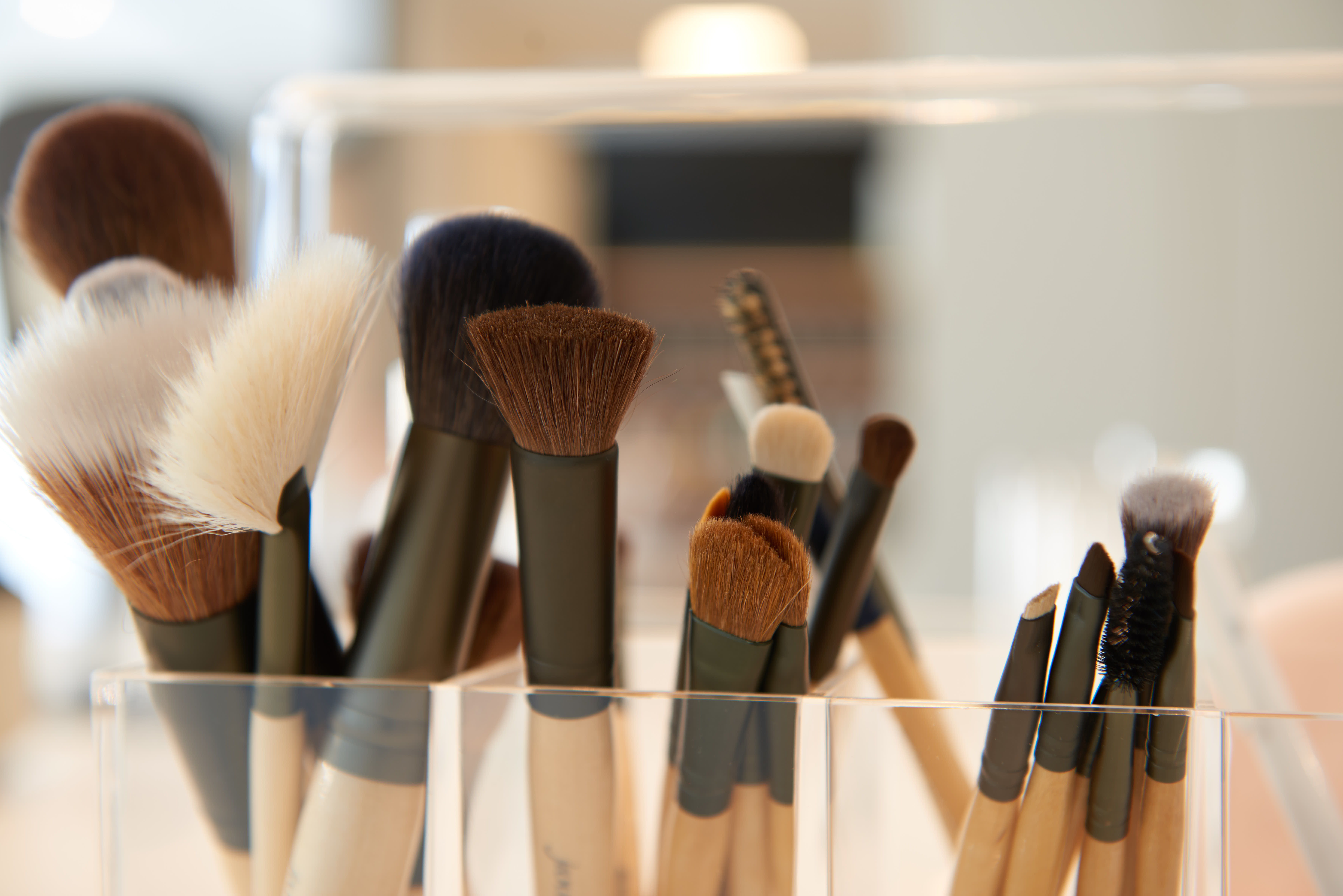 Happy Skin Kafé alsemberg make-up brushes borstels
